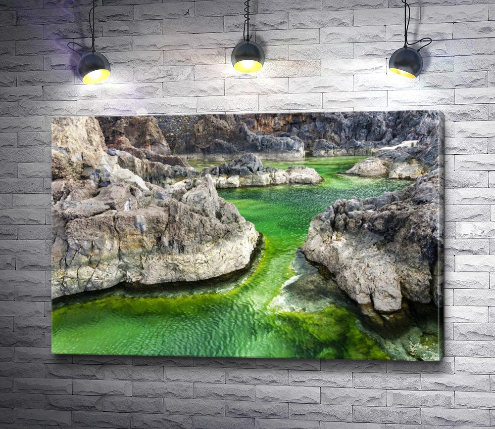 """Картина """"Природный бассейн в Порто-Монис, Португалия"""""""
