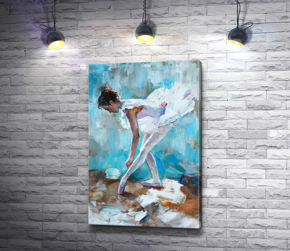 """Картина """"Юная балерина завязывает пуанты"""""""