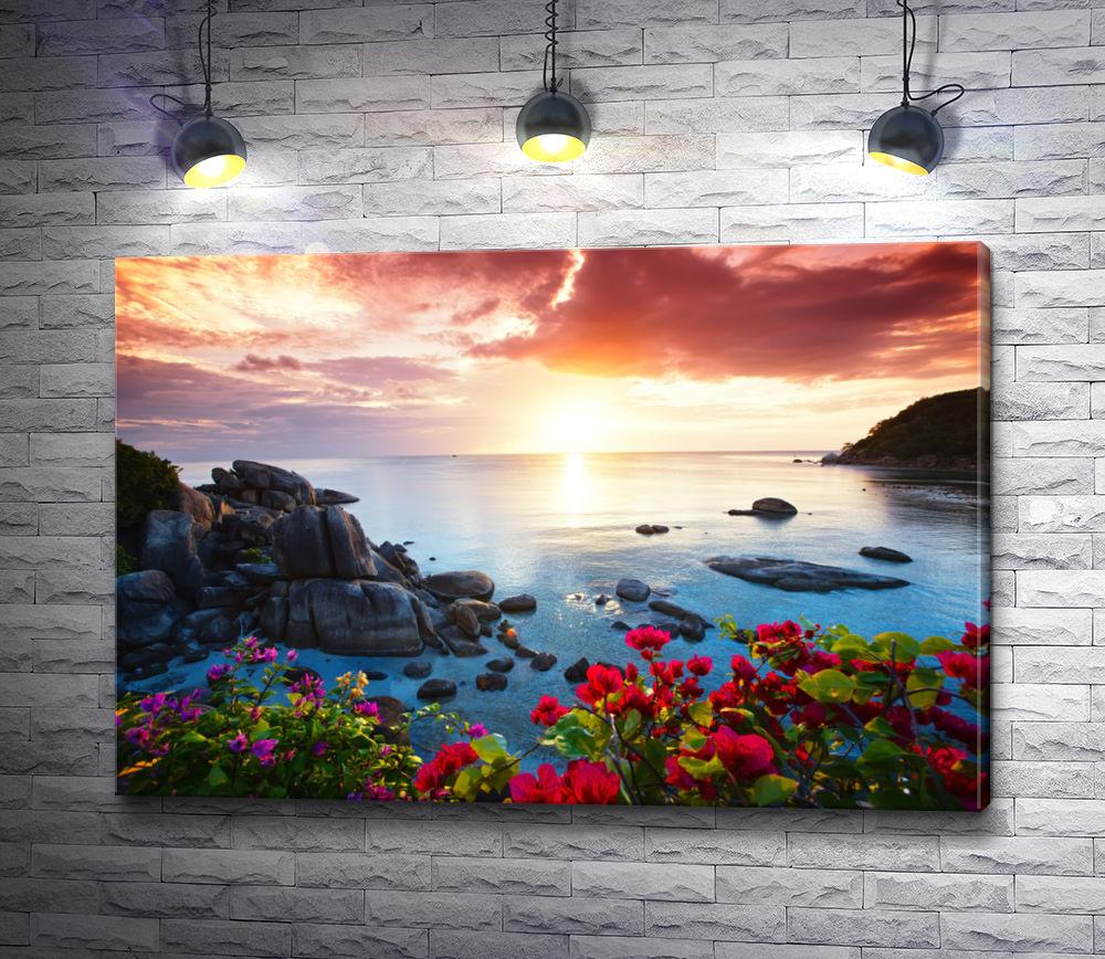 """Картина """"Цветы на морском склоне на фоне рассвета """""""