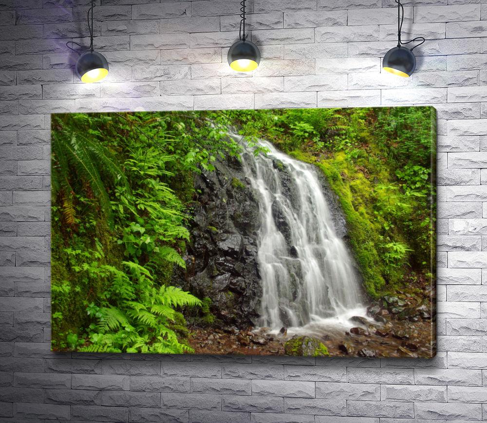 """Картина """"Водопад и зеленая листва"""""""