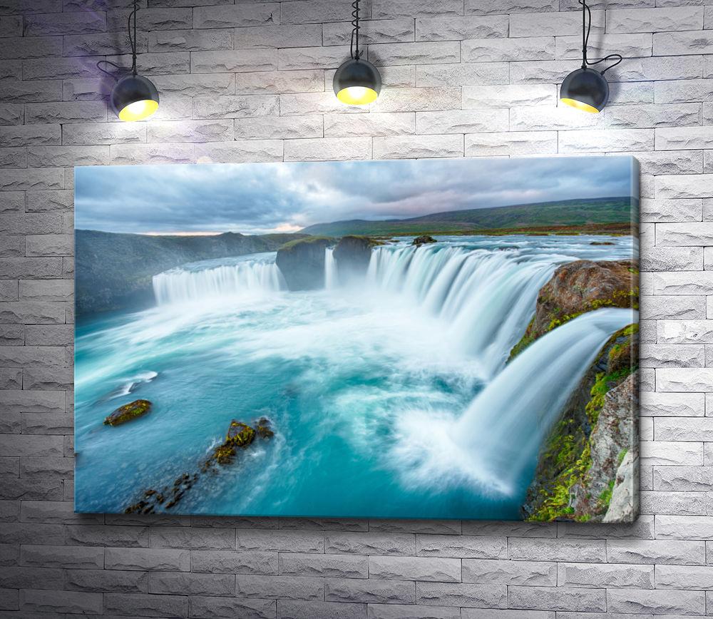 """Картина """"Величественный водопад"""""""