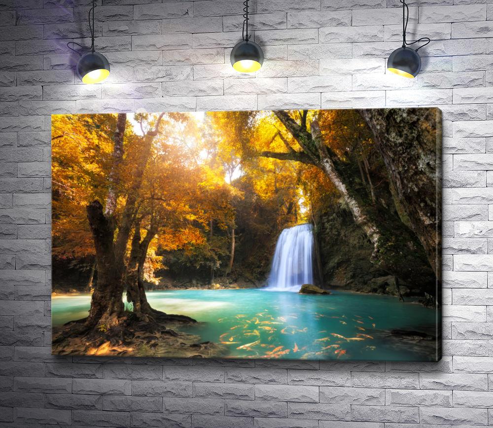 """Картина """"Осенний водопад и рыбки"""""""
