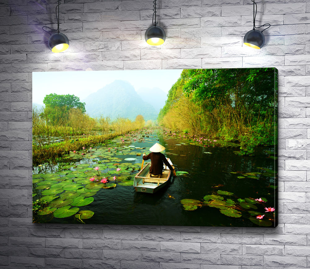 """Картина """"Плавание среди лотосов по узкой реке"""""""