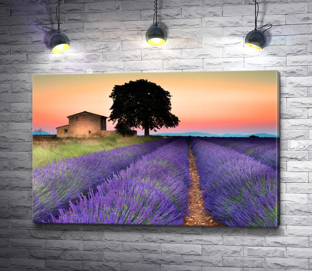 """Картина """"Цветы и одинокое дерево"""""""