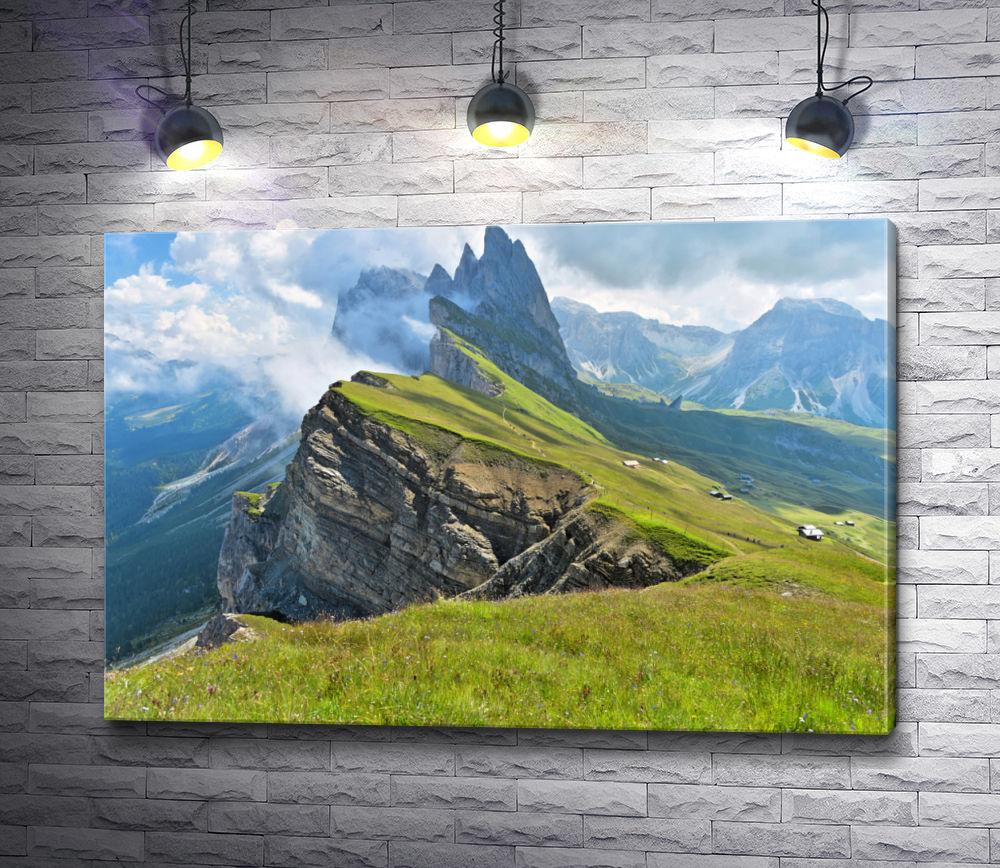 """Картина """"В окружении гор"""""""